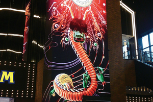 THE OUTLETS HIROSHIMAに登場! 高精細縦型LEDビジョン