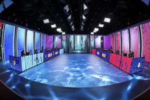 世界的eスポーツ大会のLEDディスプレイによる没入型ステージ演出